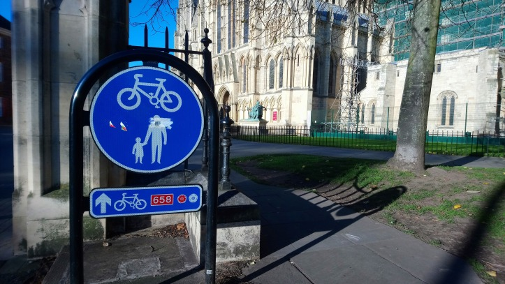 Shared space sign at York Minster
